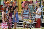 Selena-gomez-zelzar-beach-day-21