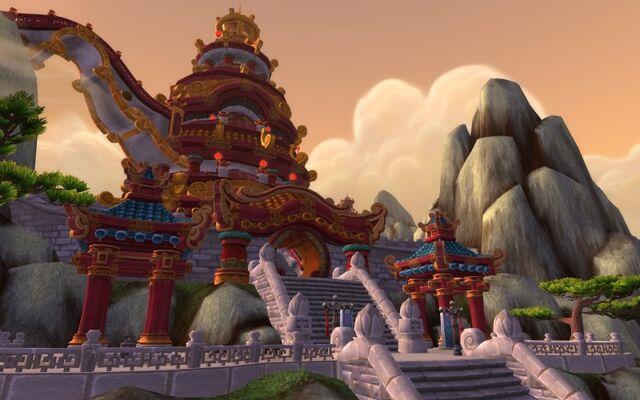 Datei:Tempel der Fünf Sonnenaufgänge.jpg