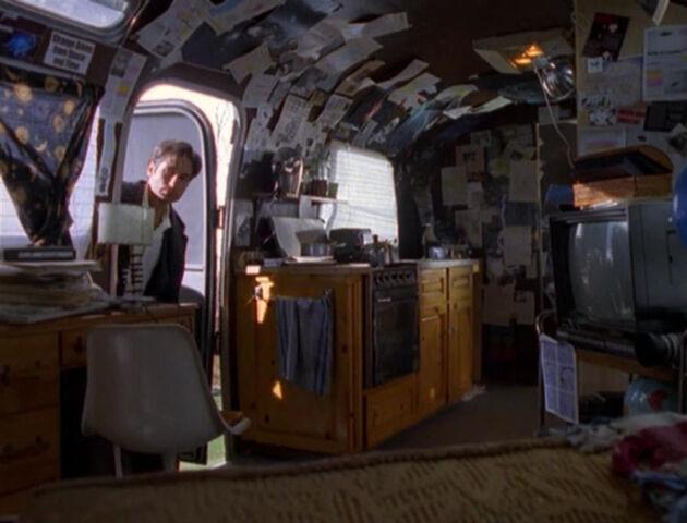 File:Max Fenig Mobile Home Inside.jpg