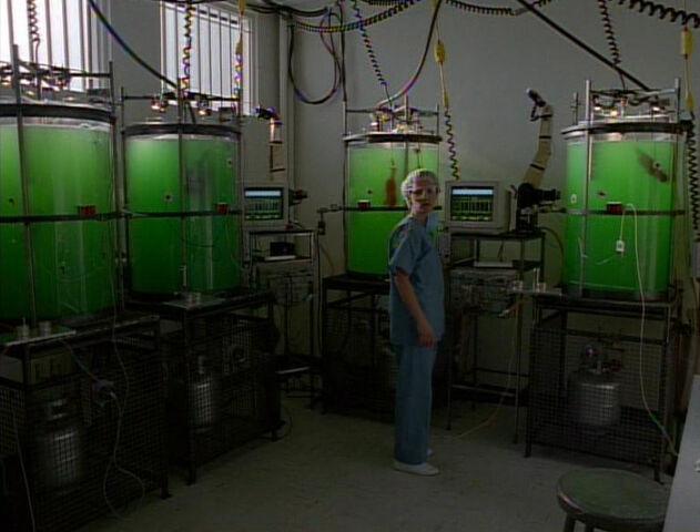 File:Samantha Mulder Clone Hybrid Vats Abortion Clinic Rockville Maryland End Game.jpg
