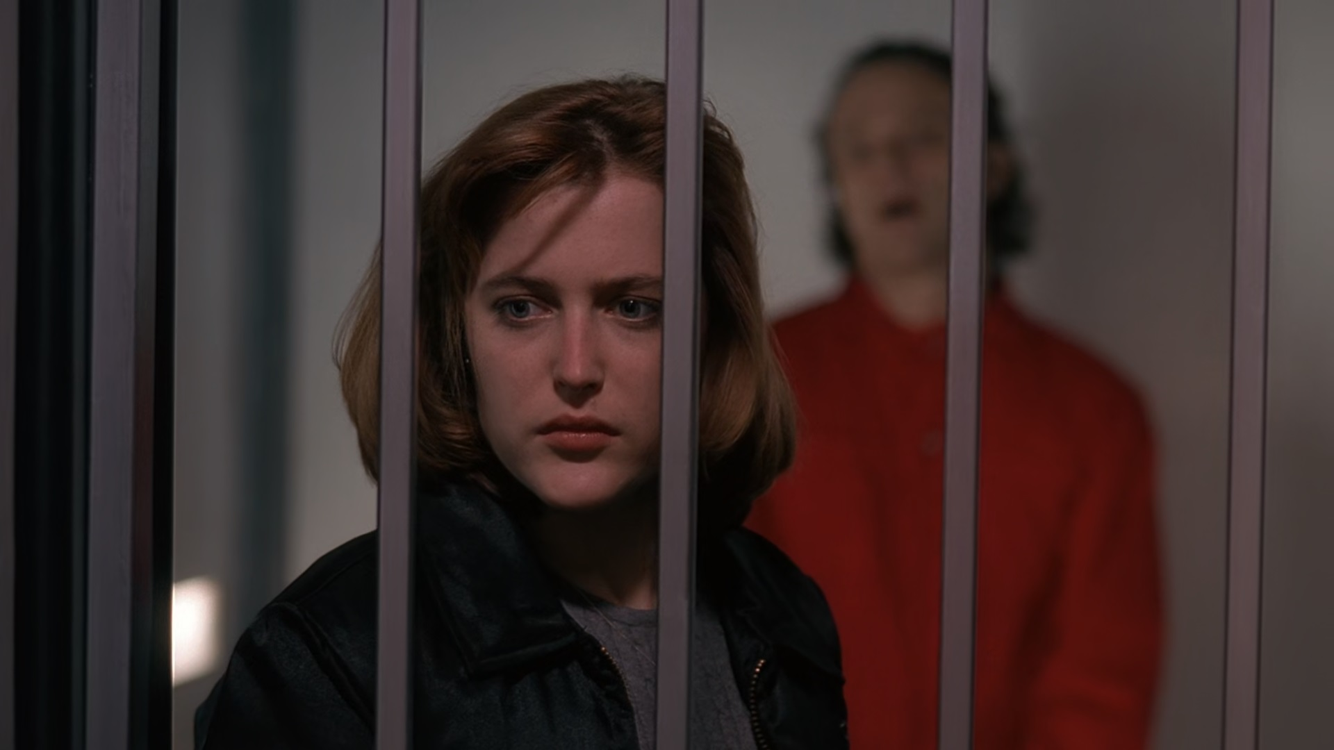 Dana Scully meets with Luther Boggs (guest star Brad Dourif).