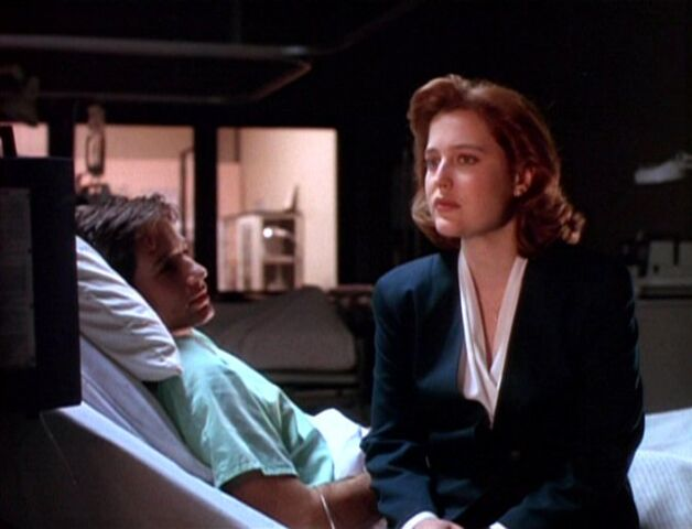 File:Dana Scully admits fear to hospitalized Fox Mulder.jpg