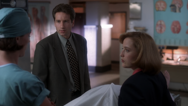 File:The Jersey Devil Mulder and Scully Examine Crockett.png