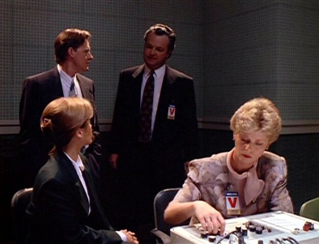 File:Tom Colton, Dana Scully, Fuller and examiner.jpg