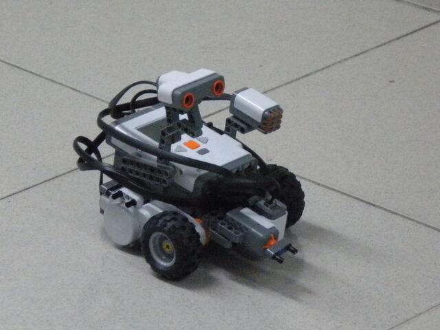檔案:樂高機器遙控車3.JPG