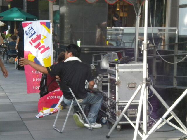 檔案:戀習-簽唱會音控.JPG