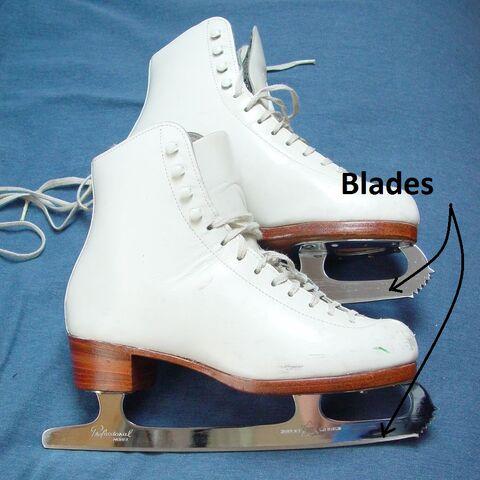 File:Figure-skates-3.jpg