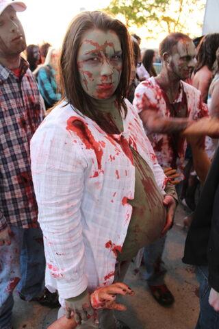 File:Zombie Fest 2009- Pregnant zombie (4003421204) (1).jpg