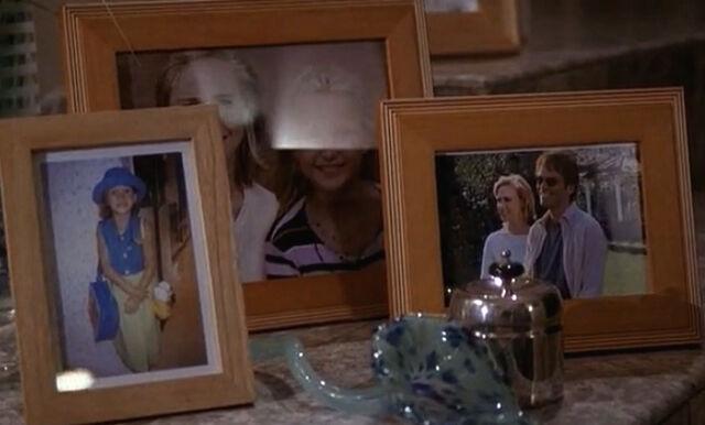 File:2x22 photoshoppped family portraits for Matheson family.jpg