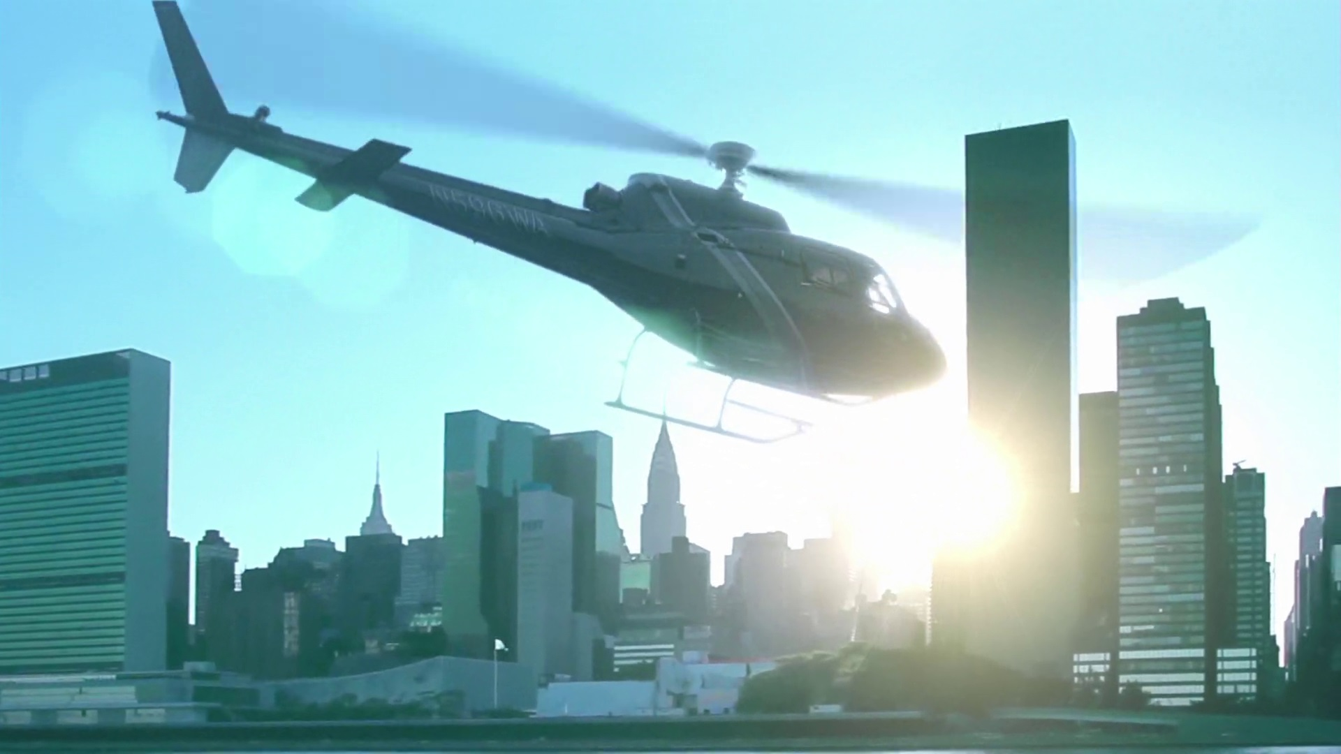 Archivo:8x01 Helicopter Takeoff.jpg