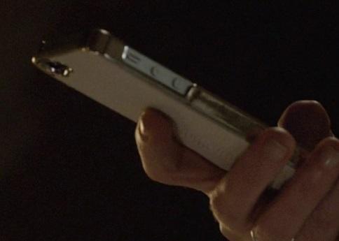 File:9x06 Margot phone.jpg