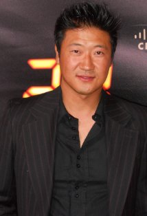 File:24 S7 actor Tom Choi at party.jpg