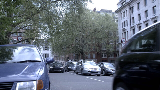 File:Lincolns-Inn-Fields-01.jpg
