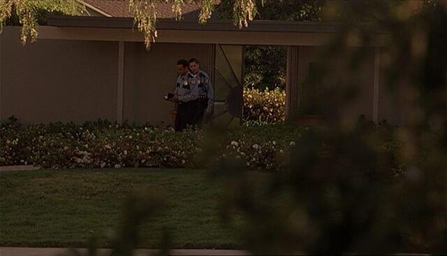 File:Bauer house entrance.jpg