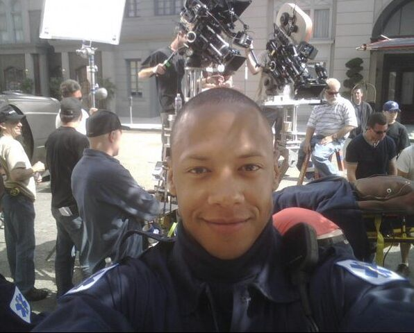 File:Emerson Brooks on the set of 24.jpg