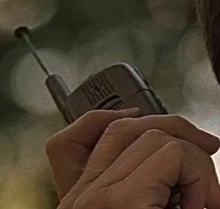 File:1x16 Andre phone 2.jpg