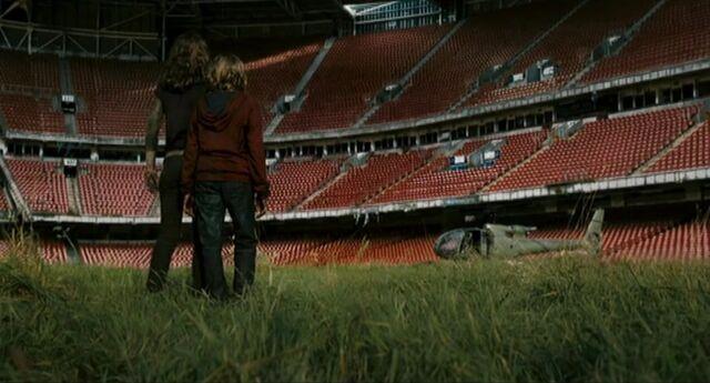 File:28WeeksLater Wembley Stadium01.jpg