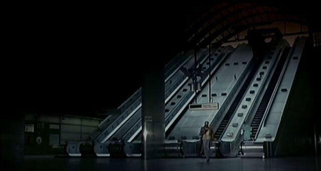 File:28DaysLater London Underground01.jpg