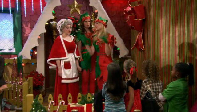File:Christmas Episode 14.png