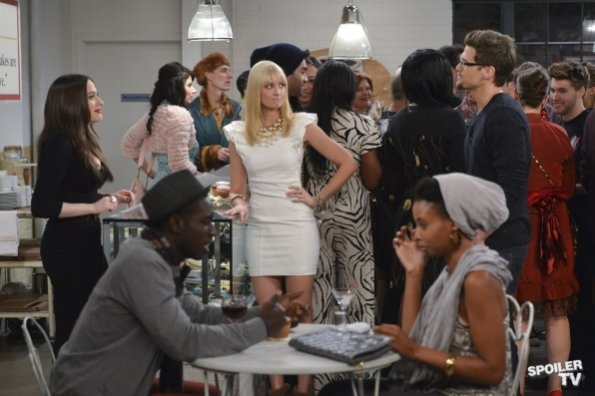 File:Two Broke Girls - Episode 2.10 - And the Big Opening - Promotional Photos (6) 595 SpoilerTV Watermark Large.jpg