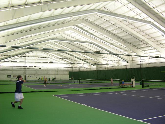 Tomas Tennis Court