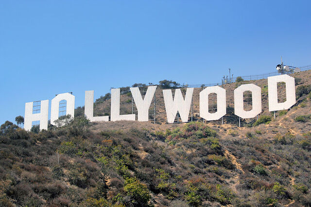 File:800px-HollywoodSign.jpg