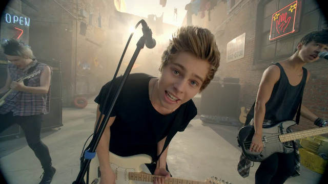 File:5 Seconds of Summer - She Looks So Perfect - 5 Seconds of Summer Wiki (59).png