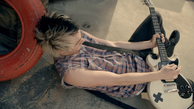 File:5 Seconds of Summer - She Looks So Perfect - 5 Seconds of Summer Wiki (80).png