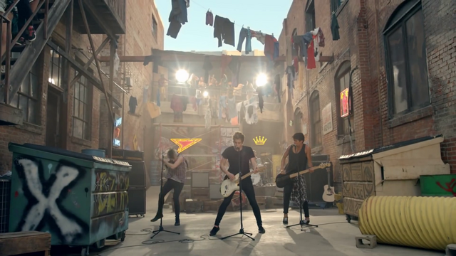 File:5 Seconds of Summer - She Looks So Perfect - 5 Seconds of Summer Wiki (52).png
