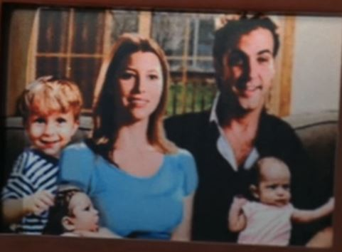 File:Mary and Carlos Kids.JPG