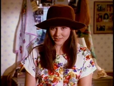 File:Brenda hat.jpg
