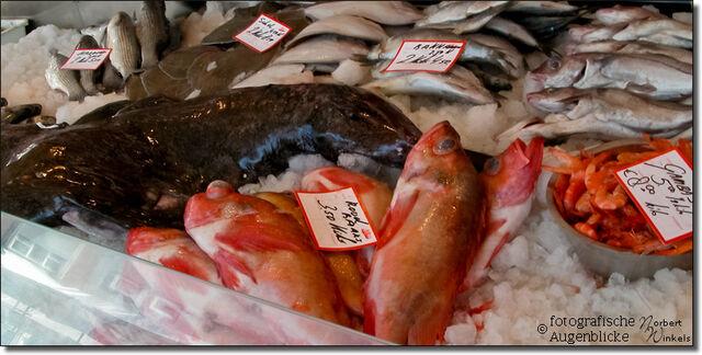 Datei:Wochenmarkt-in-vaals-niederlande-1552.jpg