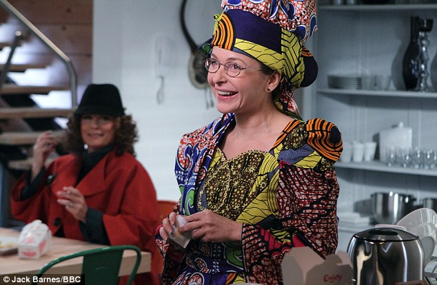 File:Saffy African Dress.jpg