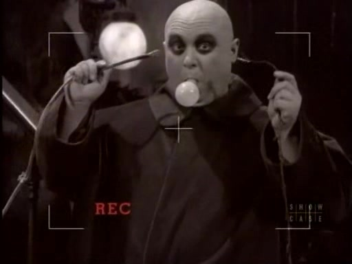 File:The.new.addams.family.s01e05.fester's.punctured.romance037.jpg