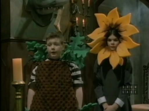 File:The.new.addams.family.s01e02.the.addams.family.goes.to.school097.jpg