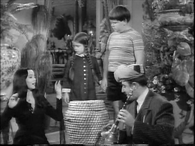 File:49.Christmas.with.the.Addams.Family 024.jpg