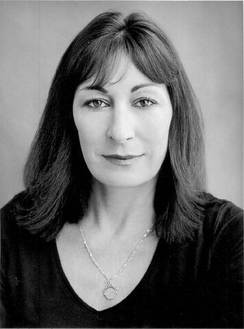 File:Anjelica huston.jpg