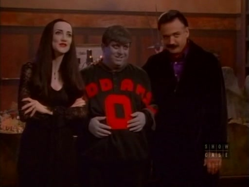 File:The.new.addams.family.s01e17.uncle.fester's.toupee078.jpg