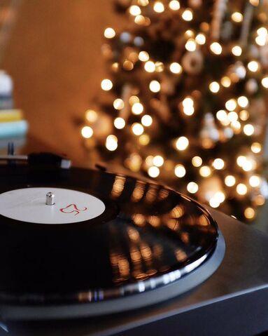 File:Adele 25 Christmas.jpg