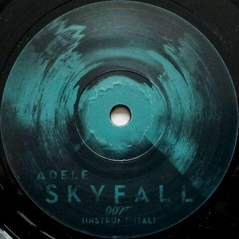 File:Skyfall Vinyl 4.jpg