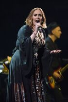 Adele-performs-at-glastonbury-festival-at-worthy-farm-in-glastonbury-03