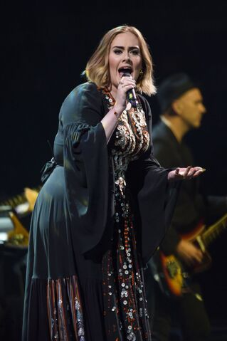 File:Adele-performs-at-glastonbury-festival-at-worthy-farm-in-glastonbury-03.jpg