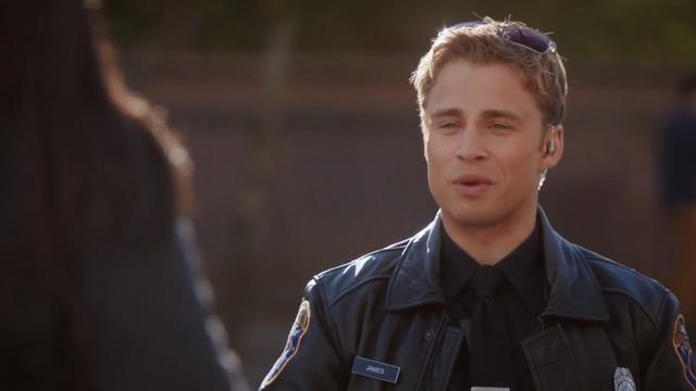 File:Officer James (3).png