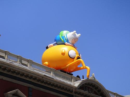 File:San Diego Comic-Con 2011 - Adventure Time's Finn and Jake atop Ciro's pizza.jpg
