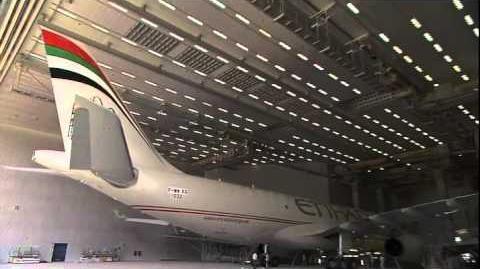 Wokers making Etihad Airways A330-200F