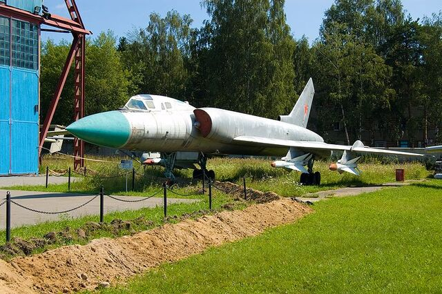 File:800px-Tupolev Tu-128 @ Central Air Force Museum.jpg