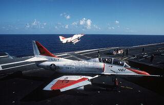 800px-TA-4J AVT-16 1989