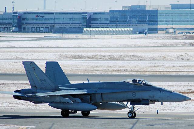 File:CF-18YYZ-742659.jpg