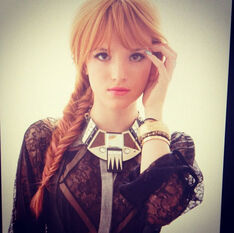 Bella-thorne-fishtail-braid-jan-6-2013-2