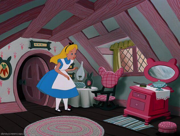 File:Alice-disneyscreencaps.com-2348.jpg